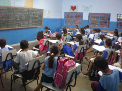 Alunos da rede estadual de ensino voltam às aulas