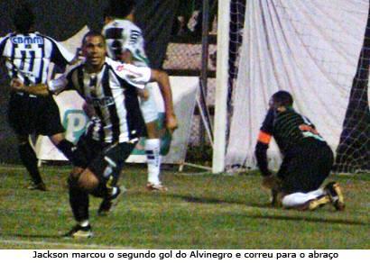 Alvinegro dá o troco no América e segue invicto no Fausto Alvim