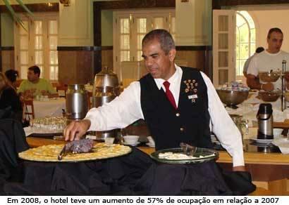 Ouro Minas oferece mais de cem vagas de emprego no Grande Hotel