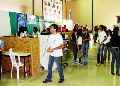 Semana da Ciência e Tecnologia aborda várias atividades no Uniaraxá