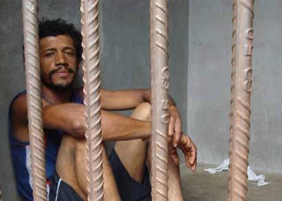 Suspeito de homicídio da serra elétrica confessa crime em Araxá
