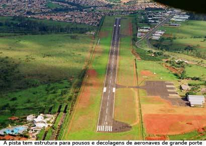 Pista do Aeroporto Romeu Zema já está recapeada