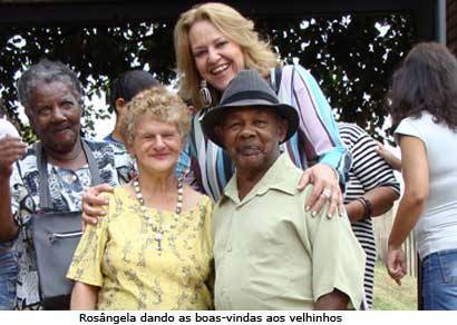 Idosos vivem dia especial na Escola Dom José Gaspar