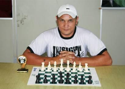 Márcio Henrique Jacob conquista bicampeonato araxaense de Xadrez Rápido