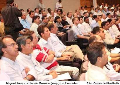 Jeová Moreira tem garantia de verbas para habitação