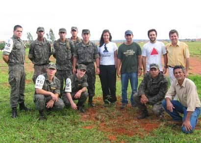 TG e Instituto Ambiental Arachás promovem plantio de mudas