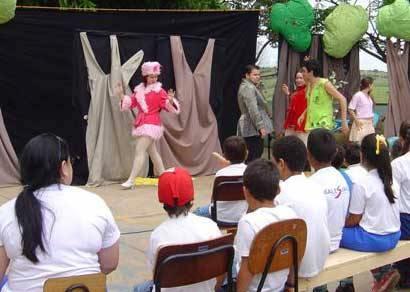 Teatro sobre educação ambiental chega às escolas rurais, creches e hospitais de Araxá
