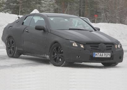 Mercedes-Benz CLK Cabrio terá teto rígido retrátil