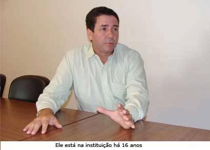 Professores e funcionários indicam nome de Válter Gomes para assumir a reitoria