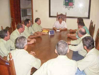 Arap conhece projetos da administração municipal e pede apoio para a Expoaraxá 2009