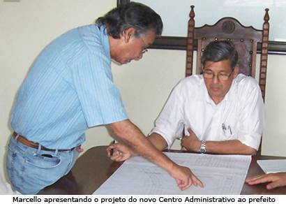 Jeová recebe projeto do novo Centro Administrativo da Prefeitura de Araxá