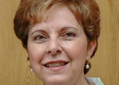 Alda Sandra discute questões turísticas com a gerência do Grande Hotel