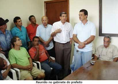 Produtores discutem projetos de desenvolvimento com o prefeito
