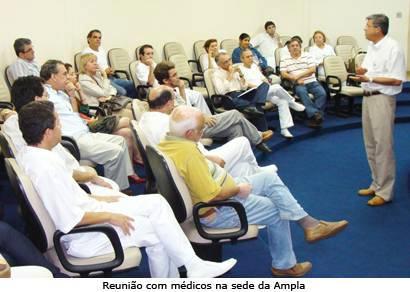 Prefeito e médicos discutem melhorias na saúde