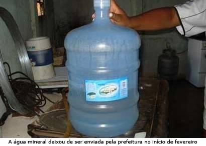 Justiça determina que a prefeitura retome a entrega de água mineral