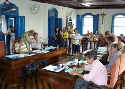 Câmara aprova verba de R$ 600 mil anuais para Associação dos Estudantes de Araxá