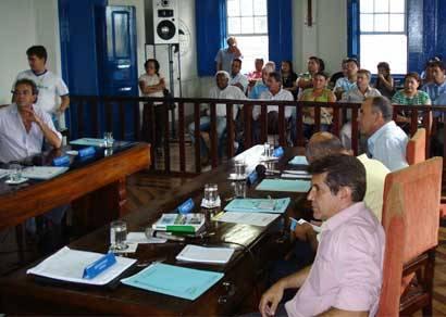 Abertura das sessões da Câmara em Araxá conta com Momento da Memória