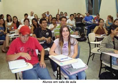 DCE adere ao movimento de redução das mensalidades do Uniaraxá