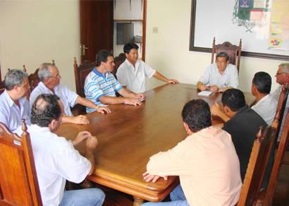 Jeová Moreira discute projetos do setor rural com produtores de soja