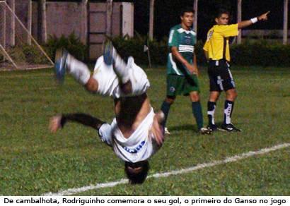 Ganso perde pênalti e só consegue empate com gol aos 45 do 2º tempo