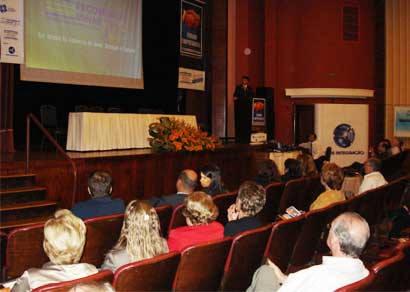 Fórum Empresarial debate crise econômica mundial em Araxá