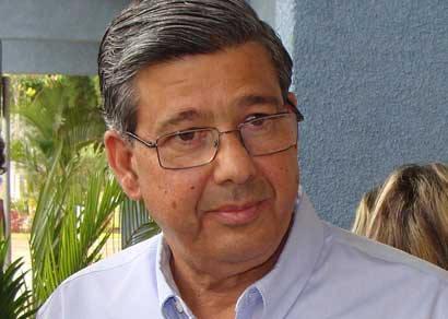 Jeová Moreira admite falha e quer renegociar com a classe médica
