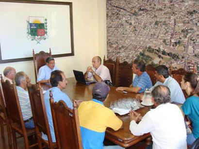 Empresário propõe parceria nos projetos avícolas da Prefeitura de Araxá