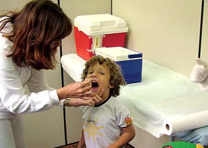 Começa a primeira etapa da Campanha de Multivacinação 2009