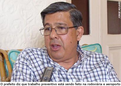 Prefeito tranquiliza população sobre suspeita de gripe suína em Araxá