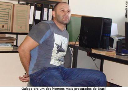 Polícia Civil de Araxá apresenta acusado de furtar duas agências bancárias