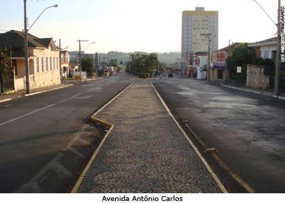 Prefeitura ainda não tem previsão para iniciar a revitalização da Antônio Carlos