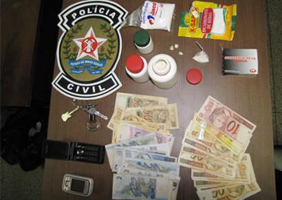 Polícia Civil prende casal acusado de tráfico no Salomão Drummond após receber denúncias