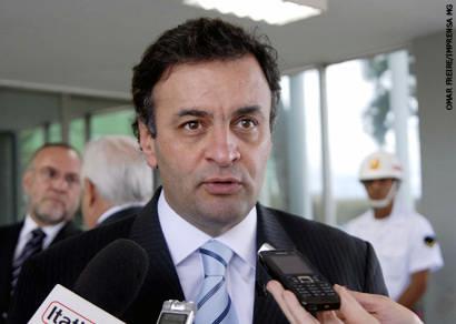 Aécio anuncia linha de crédito de R$ 400 mi para municípios
