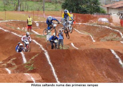 Campeonato Mineiro de Bicicross traz melhores atletas do Estado a Araxá