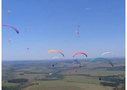 Campeonatos de voo livre reúnem 322 competidores no Horizonte Perdido