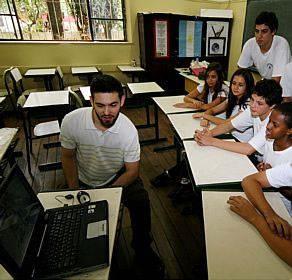 Professores poderão comprar computador portátil pelos Correios