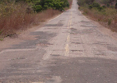 Brasil precisa investir R$ 32 bilhões para recuperar estradas, diz CNT