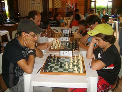 Bernardo Parolini é destaque no Regional de Xadrez em Uberlândia