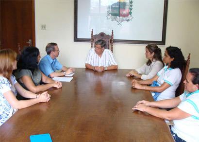 Reforma da Escola Loren Rios Feres é reivindicada ao prefeito
