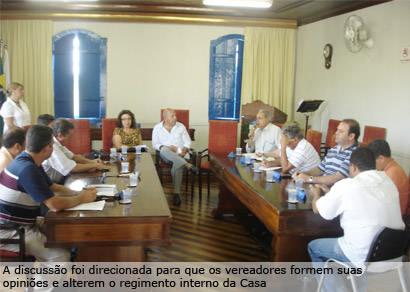 Maioria dos partidos quer 17 cadeiras na Câmara Municipal