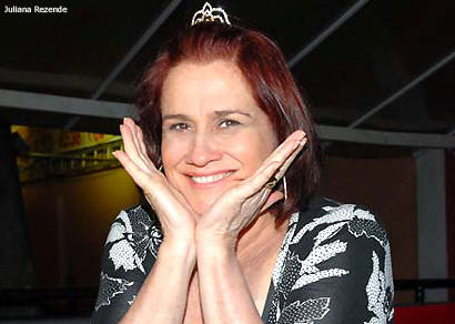 Vera Holtz promove palestra em Araxá