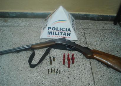 Polícia de Meio Ambiente apreende arma e munições na região das Palmeiras