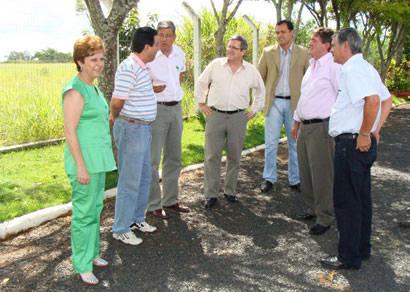 Prefeitura anuncia asfaltamento de via que liga o aeroporto ao Girassol