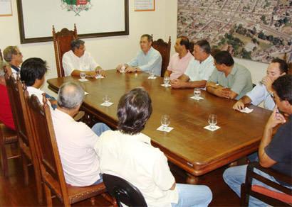 Empresários do ramo de avicultura do ES se reúnem com o prefeito e produtores