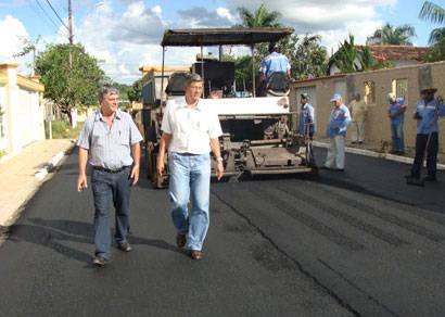 Bairro Mangueira II tem ruas recapeadas