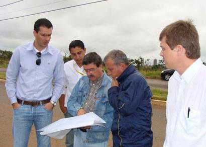 Empresa New Holland acerta instalação em Araxá