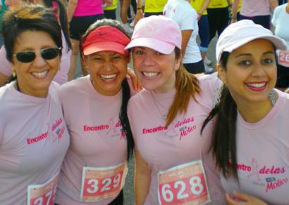 Atletas de Araxá participam de corrida de rua feminina em Belo Horizonte