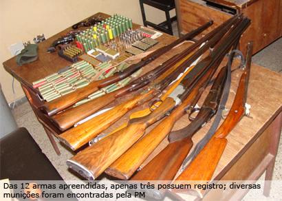 PM apreende 12 armas e 500 munições no Centro