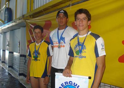 Mergulho/Zema Petróleo é campeã da 3ª Etapa Regional de Natação