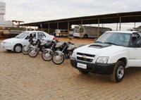 Prefeito entrega seis veículos novos à Asttran